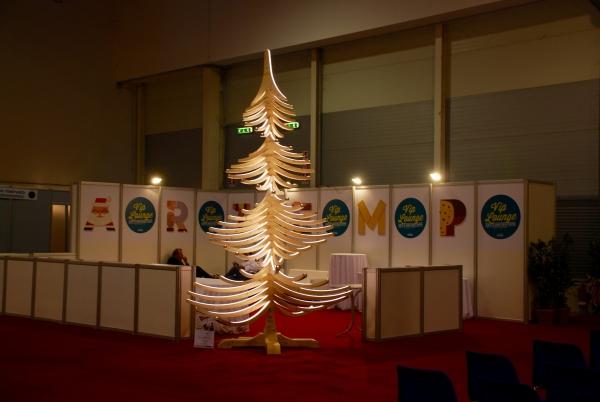Fiera arti e mestieri Roma albero di natale in legno albert 4 metri roma